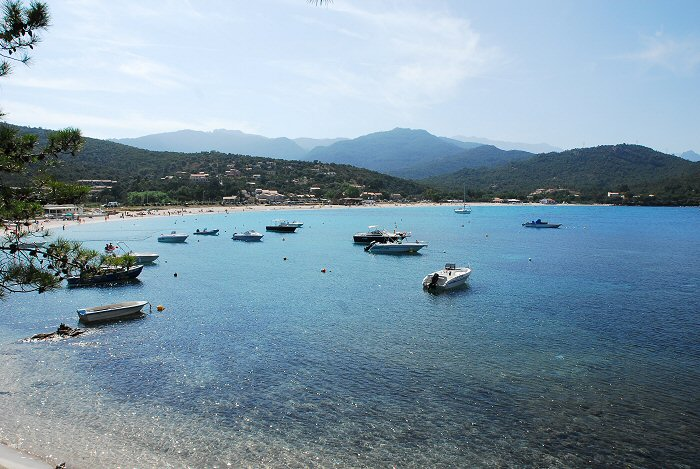 location corse - plage de Favona